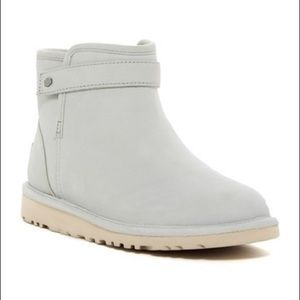 UGG Rella pure Lined Snap Strap Bootie